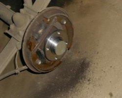 Замена колёс своими руками на Mazda